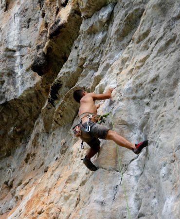 mountaineer_climb_climber_bergsport_rock_secure_steep_backup-1048941.jpg!d